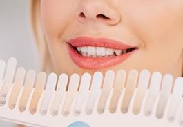 стоит ли делать отбеливание зубов