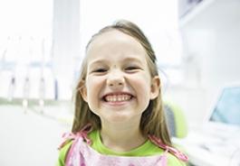 Надо ли лечить молочные зубы: мнение стоматолога