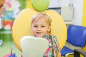 Зачем лечить молочные зубы?