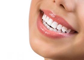 Эффективное и бережное отбеливание зубов